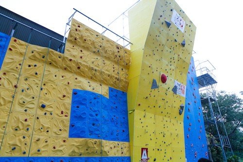 The Cliff at Snow City Singapore| rock gyms in singapore