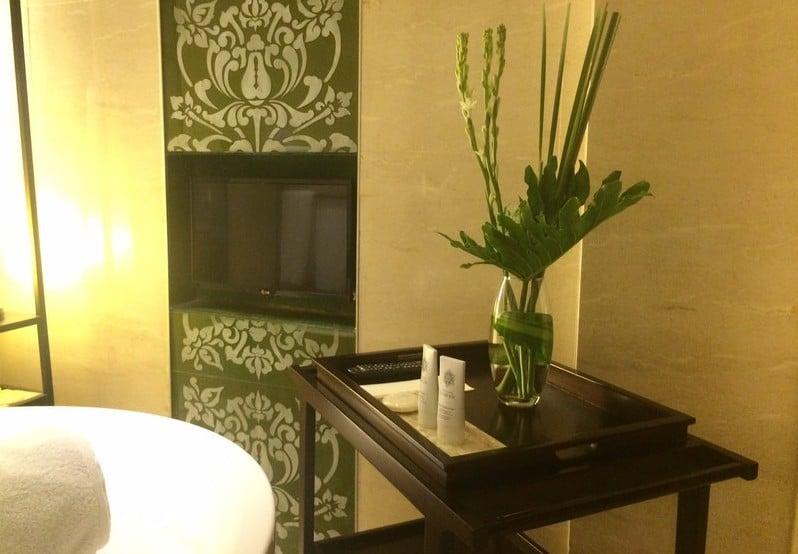 Exquiste Flower arrangement in the toilet