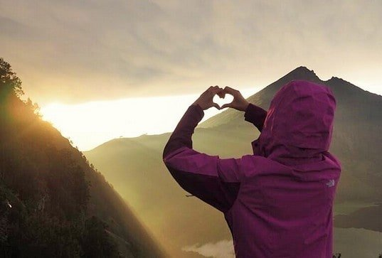 Lots of love from the sunrise on the mount rinjani trek