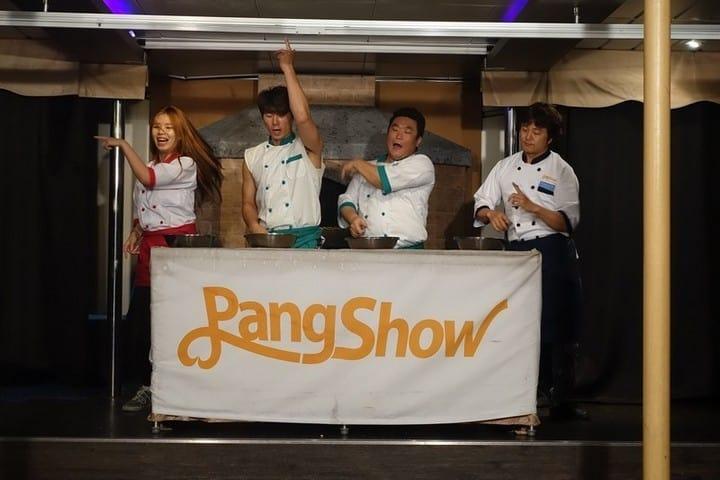 Pang pang show on the boat
